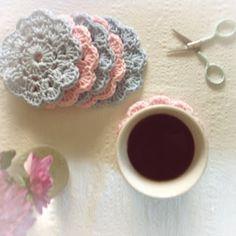 Lisebethslykkebo: Hekle glass brikker, oppskrift følger med. Drops Design, Diy And Crafts, Crochet Earrings, Knitting, Blog, Learning, Mandalas, Threading, Tricot