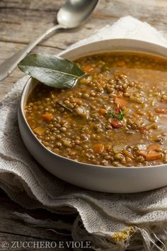 Lentil soup- Zuppa di lenticchie sugar and violets vegan recipes: Lentil soup - Best Dinner Recipes, Wine Recipes, Soup Recipes, Healthy Recipes, Italian Dishes, Italian Recipes, Kenwood Cooking, I Love Food, Good Food