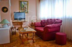 Kompletno opremljen stan spreman za useljenje. LCD TV, Internet, Klima uređaj. Fantastičan pogled na Dunav.  http://www.direktnodovlasnika.com/nekretnina/stan/beograd/49015.html