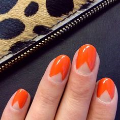 'Orange Appeal' chevron mani