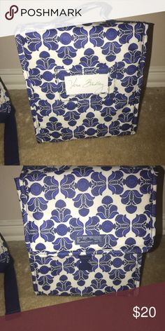 Vera Bradley insulated lunch tote Adorable lunch tote! I listed matching backpack! Vera Bradley Accessories Bags