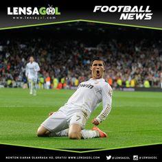 BERITA LENSAGOL - FOOTBALL NEWS  Cristiano Ronaldo: Rekor Yang Membidik Saya!  Cristiano Ronaldo menegaskan dirinya tak pernah mengincar rekor melainkan rekor yang mengincar dirinya.Real Madrid sukses menutup petualangannya di fase grup Liga Champions musim 2015/16 lewat cara terbaik. Rabu (9/12) mereka sukses meluluhlantahkan Malmo lewat skor telak 8-0!  Sorotan utama dalam pertandingan tersebut tentu saja terletak pada sang mega bintang Cistiano Ronaldo. CR7 mencetak empat gol sekaligus…