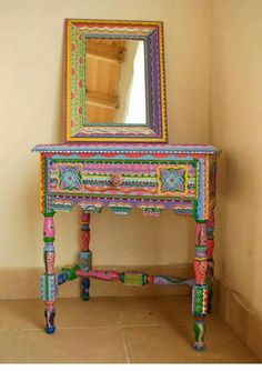 Mesa estilo Mexicano - Mesas - Muebles - 492591 Mirror for bathroom Mexican Furniture, Funky Painted Furniture, Painted Chairs, Colorful Furniture, Paint Furniture, Upcycled Furniture, Furniture Makeover, Cool Furniture, Wood Chairs