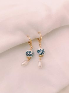 Details about  /Sterling Silver 10-11MM White Imitation Shell Pearl CZ Post Dangle Earrings