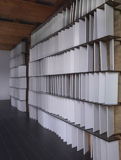 Image 14 of 21 from gallery of Casalgrande Old House / Kengo Kuma & Associates. Photograph by Marco introini Japanese Architecture, Architecture Details, Interior Architecture, Floor Screen, Partition Screen, Arch Interior, Interior Walls, Interior Design, Facade Pattern