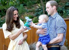 A New Toy! from Prince George's First Royal Tour | E! Online
