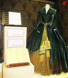 Vivien Leigh's costume from Gone with the Wind   AFI's 100 Years 100 Movies Exhibit