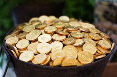 Baldes com moedas de ouro de chocolate  (foto: Nina Amaral)