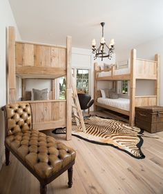 Dogwood kids bedroom with two sets of twin bunk beds.