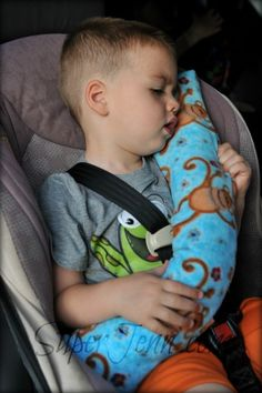 What a great idea for parents taking kids on long car rides.. seat belt pillows. Nothing comes between the kids and the seatbelt though so the safety is in tact.
