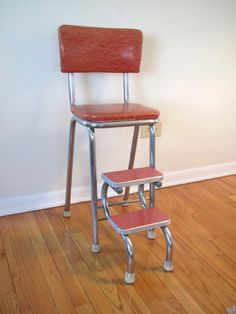 Vintage  stool  /  coral and chrome  /  kitchen Cosco-style  /  pull out steps