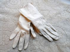 Ladies Kid Leather Gloves Old Creamy White by OrphanedTreasure
