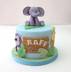 Pastel Elefante Animals Cake Half Birthday Baby, Safari Birthday Cakes, Boys 1st Birthday Cake, Safari Cakes, Cake Design Inspiration, Dad Cake, Jungle Cake, Puppy Cake, Painted Cakes