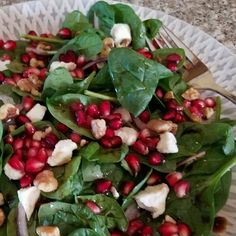 Yummy Recipes, Salad Recipes, Vegetarian Recipes, Healthy Recipes, Pomegranate Recipes, Pomegranate Salad, Spinach Salad, Caprese Salad, Spinach Stuffed Mushrooms