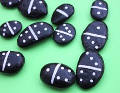 Rock Dominoes – Repeat Crafter Me - Kinderspiele Pebble Painting, Stone Painting, Rock Crafts, Arts And Crafts, Art Crafts, Rock Games, Craft Projects, Crafts For Kids, Craft Ideas