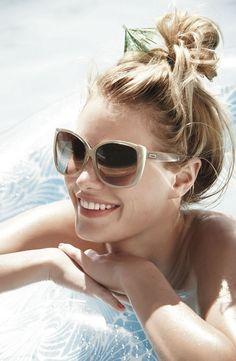 Gafas de sol grandes para estar sexy en la playa
