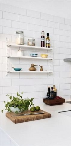 String shelf in the kitchen. Beautiful Kitchens, Cool Kitchens, Kitchen Wall Art, Kitchen Decor, Rustic Kitchen, Kitchen Dining, Best Kitchen Layout, String Shelf, Blogger Home