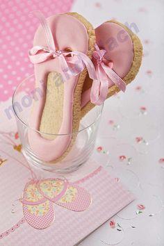ballet shoe cookies for K