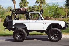 1974 FORD BRONCO CUSTOM SUV dream car...