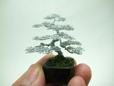 【画像】金属ワイヤー製のミニチュア盆栽が可愛い、Ken Toのアート作品16枚 もっと見る