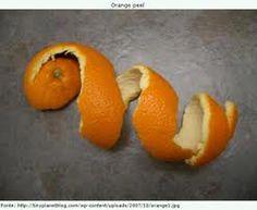 <p>Aproveitar as cascas de laranja é uma mais valia para tratar gripe e resfriados. -Para fazer este magnífico chá, lave bem as cascas de uma laranja, ferva-as em 1/2 litro de água durante 15 minutos, deixe repousar para recuperar todos os nutrientes e por fim coe e beba. Os benefícios …</p>