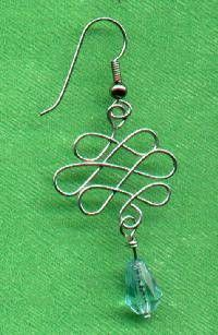 Tutorial Celtic Wire Earrings. Mostly I just like the design. Wonder what else I can use it on!