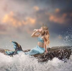 Premium Photography & Photoshop Education and Editing Tools Fantasy Photography, Photography Lessons, Photoshop Photography, Children Photography, Conceptual Photography, Photography Ideas, Mermaid Photo Shoot, Mermaid Pictures, Mermaid Kids