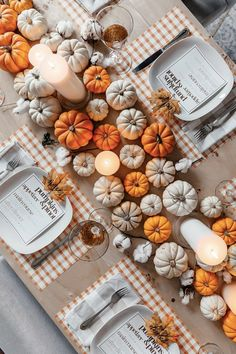 How to Create a Gorgeous Thanksgiving Tablescape | MomTrends Diy Thanksgiving Centerpieces, Thanksgiving Table Settings, Thanksgiving Tablescapes, Thanksgiving Parties, Thanksgiving Crafts, Holiday Decorations Thanksgiving, Autumn Party Decorations, Fall Party Ideas, Pumpkin Table Decorations