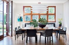 The dining room of architect Frank Greenwald's Hamptons home, designed by Foley.