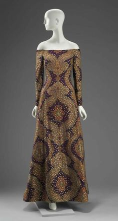 1990 Womans dress, Arnold Scaasi from the Museum of Fine Arts, Boston Grunge Look, 90s Grunge, Grunge Style, Grunge Outfits, Soft Grunge, Fashion History, 90s Fashion, Love Fashion, Fashion Design