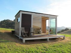kitHAUS prefab modular unit in Arroyo Grande, California Cabana, Backyard Studio, Modern Tiny House, Small Buildings, Small Places, Prefab Homes, Tiny Homes, Tiny Spaces, Plein Air