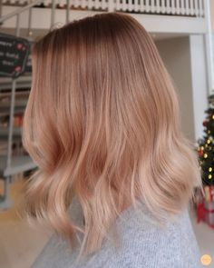 Peach strawberry blonde hair - Peach Stockholm Strawberry Blonde Highlights, Strawberry Blonde Hair Color, Blonde Hair With Highlights, Ginger Blonde Hair, Copper Blonde Hair, Rose Blonde, Balayage Hair Copper, Balayage Hair Blonde, Peach Hair Colors