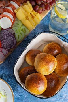 Sernikobrownie – Smaki na talerzu Chicken Bryan, Coleslaw, Pretzel Bites, Feta, Salad Recipes, Pizza, Bread, Easy Cooking, Cooking Recipes