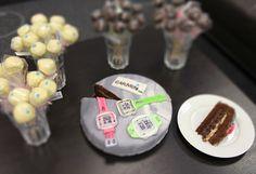 Das macht die Kollegen froh - ein Forerunner 10 Kuchen plus Cake Pops. Alles liebevoll gestaltet und verpackt. Hach...
