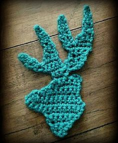 Deer Head Applique Crochet Pattern from Lisa Jelle of Kaleidoscope Art&Gifts
