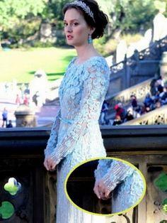 robe bleue de Blair