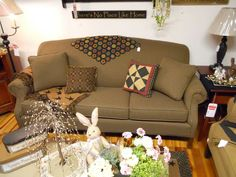 Low back couch Brothers Furniture, Country Furniture, Couch, Pillows, Simple, Places, Decorating, Home Decor, Rustic Furniture