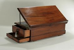 EARLY GEORGE III MAHOGANY TRAVELING WRITING BOX, England, c1765. -  M. Ford Creech Antiques & Fine Arts, Memphis, TN