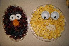 sesame fruit tray grapes and pineapple 1st Birthday Themes, Elmo Birthday, Birthday Parties, Kid Parties, Birthday Stuff, Birthday Ideas, Sesame Street Party, Sesame Street Birthday, Elmo Party