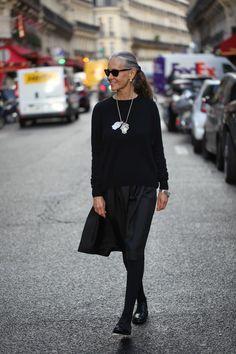 BlackSwingDec | Natural | Gray | Classic ponytail | Simple |