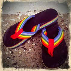 Vintage RAINBOW flip flops---I lived in these. A friend once said she would only know when I got to heaven bu the sound of my flip flops! My Childhood Memories, Great Memories, School Memories, Rainbow Flip Flops, Rainbow Shoes, Rainbow Sandals, Retro, Diy Wardrobe, Vintage Wardrobe