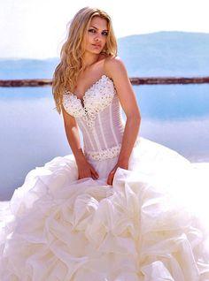 cute wedding gowns for a beach wedding Wedding Dress 2013, Wedding Bridesmaid Dresses, Dream Wedding Dresses, Bridal Dresses, Bridesmaids, Beautiful Wedding Gowns, Wedding Beauty, Bridal Boutique, The Dress