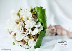 Buquê Tropical branco de orquídeas sapatinho.  Tropical Flower Bouquet.