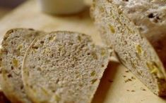 Yeast and Quick Bread Recipes With Dried Apricots Apricot Bread Recipe, Quick Bread Recipes, Dried Apricots, Yeast Bread, Food To Make, Cravings, Recipies, Stuffed Peppers, Cheese