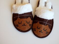 10 Adorable DIY Slippers That Will Give You The Warm Fuzzies #DIY-Crafts