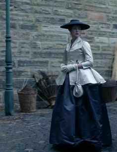 """Claire Fraser (Caitriona Balfe) in Season Two of Outlander on Starz, Episode Two """"Not In Scotland Anymore"""" via https://outlander-online.com/2016/04/16/1550-uhq-1080p-screencaps-of-episode-2x02-of-outlander-not-in-scotland-anymore/"""