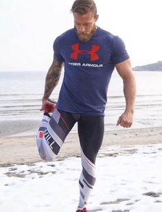 Love lycra, sport men, cyclist and bikers! Looks Academia, Estilo Fitness, Mens Tights, Gym Gear, Gym Style, Sporty Outfits, Moda Fashion, Workout Wear, Mens Fitness