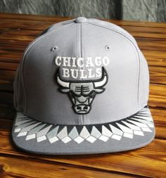 faef26a8ab2 Chicago Bulls Mitchell   Ness Variant Snapback Hat