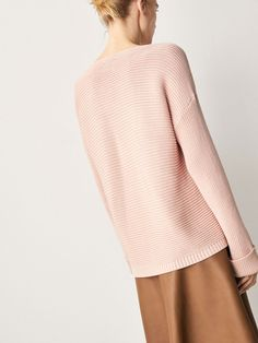 Spring Summer 2017 Women´s TEXTURED WEAVE COTTON SWEATER WITH TURN-UP CUFFS at Massimo Dutti for 790. Effortless elegance!