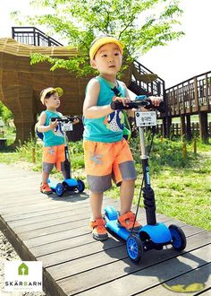 Children's outdoor brand Skabarn has recently released new CF photos of Song Il Kook's triplets of which they are models of. Song Il Gook, Song Daehan, Man Se, Song Triplets, Korean Babies, Cute Songs, Celebrity Dads, Superman, Cute Babies